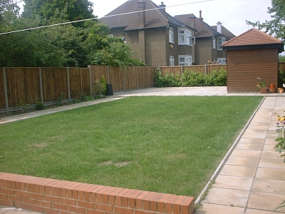 Town garden design london medium sized town garden for Medium back garden designs